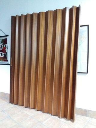 puerta corredera de madera tipo acordeon