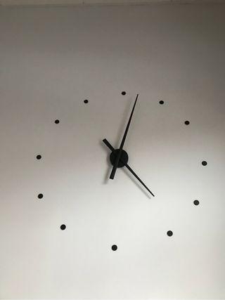 Reloj de diseño NEGRO