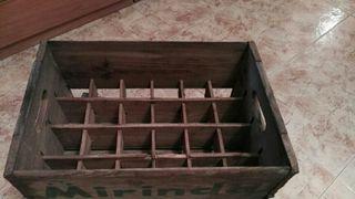 cajas de madera ,,mirinda y fanta