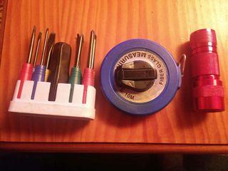 herramientas + metro + linterna led