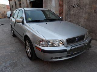 Volvo V40 2001
