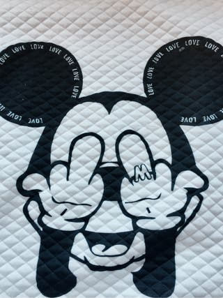 Sudadera Miki Mause.