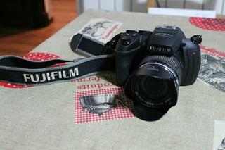 Cámara Fujifilm Finepix HS 20 exr