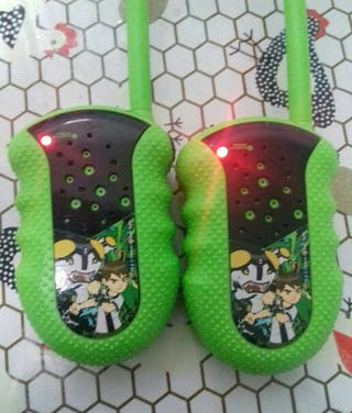 BEN 10. WALKY TALKIES