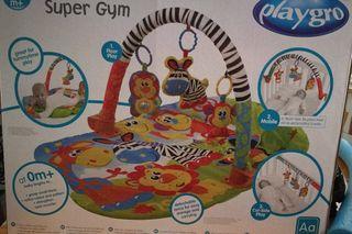 Gimnasio infantil + juego figuras apilables