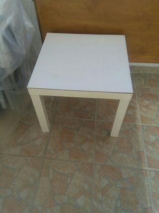 mesa pegueña