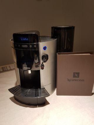 Cafetera Siemens Nespresso