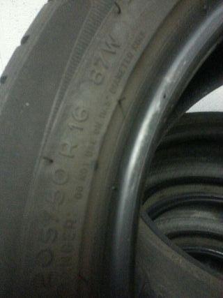 4 Neumáticosi en buen estado