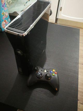 Xbox 360 slim 250gb con mando y caja original