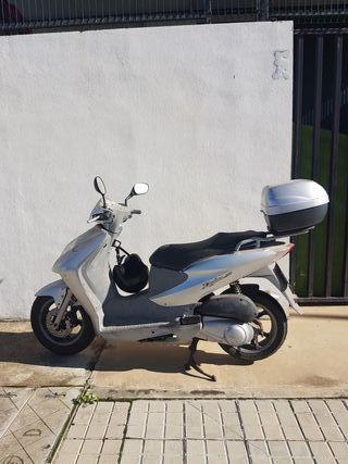 Moto Honda Dylan 150