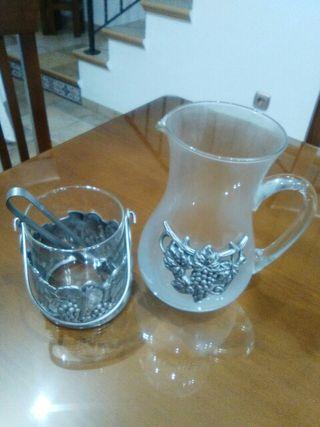 jarra y hielo