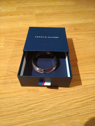 .Pulsera mujer Tommy Hilfiger tricolor.