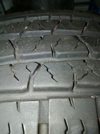 4 neumáticos Continental 255/70/16.