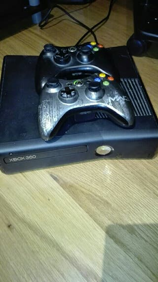 Xbox 360, 2 mandos y 6 juegos