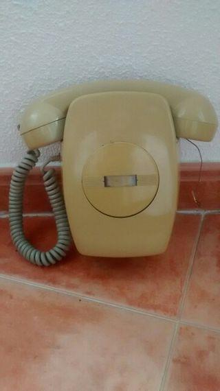 Telefono gris Heraldo