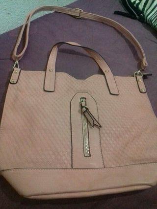 bolso rosa de mujer