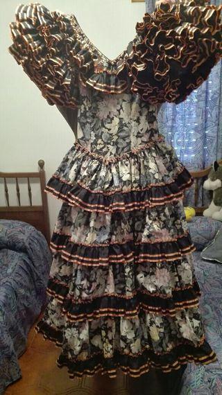 vestido sevillana