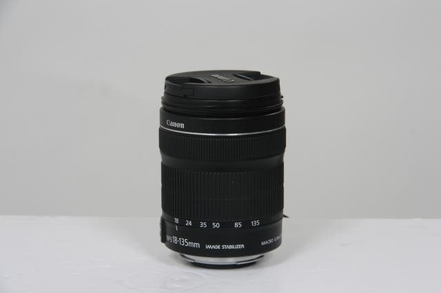 Objectif Canon EF-S 18-135mm