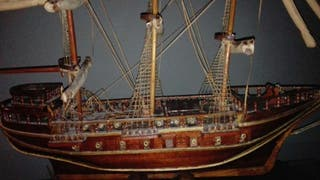 Barco de madera hecho a mano