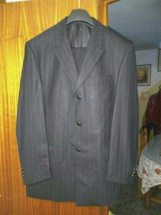 traje de caballero de dos piezas