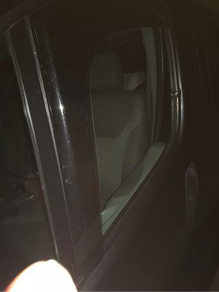 Derivabrisas furgoneta