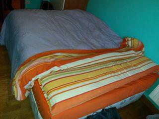 Cama matrimonio 1.50 canapé colchón en buen estado