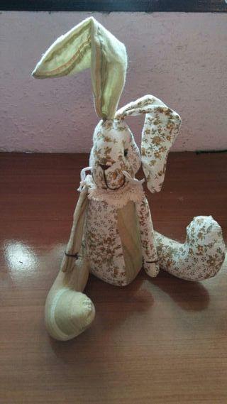 Muñeco conejo decorativo