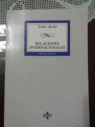 Relaciones Internacionales - Esther Barbé