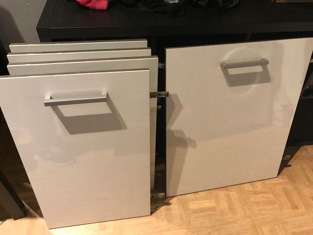 Puertas para muebles cocina Formica bisagra Blum de segunda mano por ...