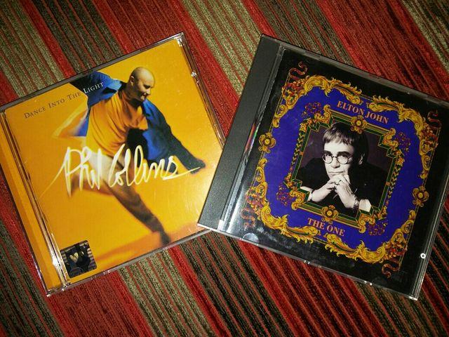 CD's de Elton John y de Phil Collins.