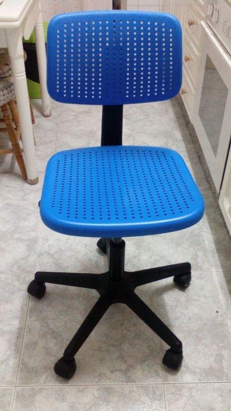 Silla Ikea Azul De Escritorio Con Ruedas De Segunda Mano Por 20 En