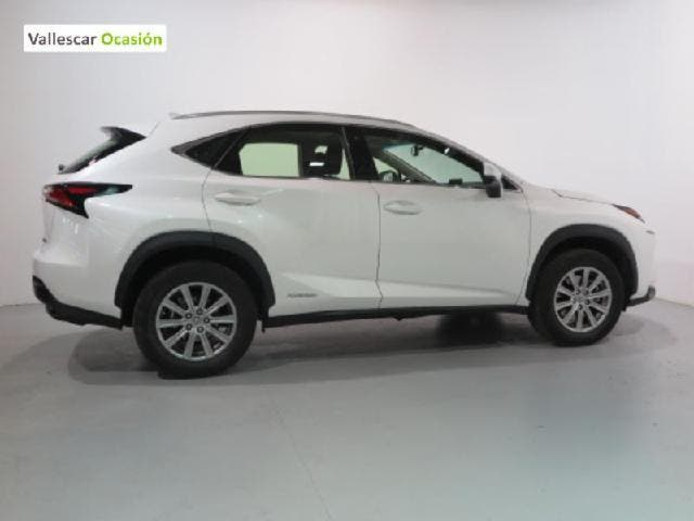 LEXUS NX 300H CORPORATE NAVIBOX 2WD AUTO 2.5 197 CV 5P
