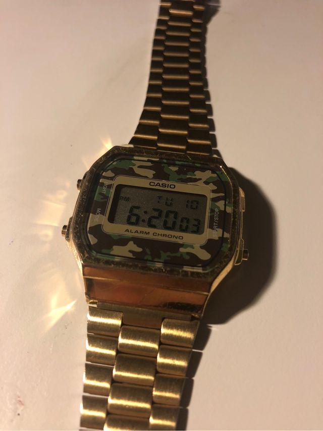 6457c39ed7d0 Reloj de segunda mano por 30 € en Barcelona en WALLAPOP