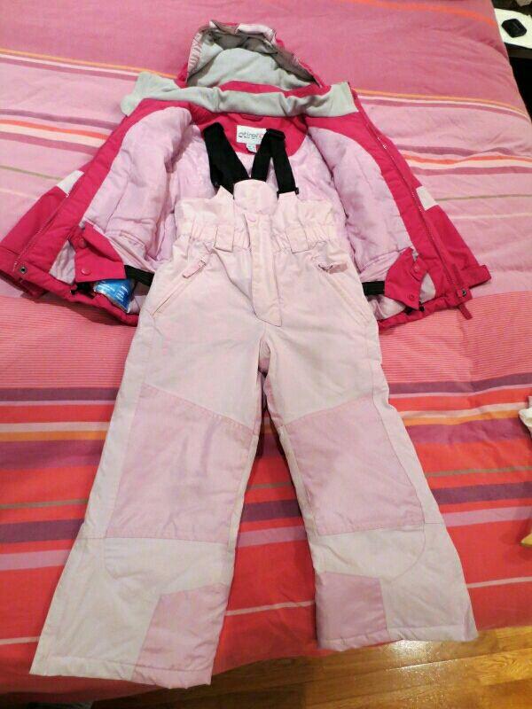 Chaqueta y pantalón esquiar niña. Talla 6