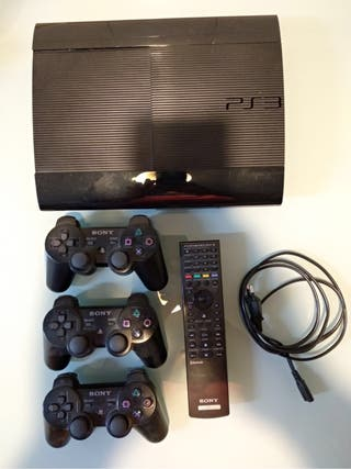 Play Station 3, 500 GB, 54 juegos y numerosos extras