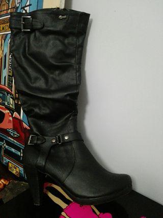 botas nuevas , solo puestas uns vez
