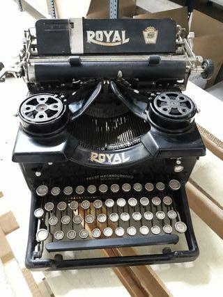 antigua máquina de escribir royal