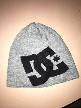 Gorro marca DC