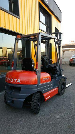 Carretilla frontal diesel Toyota