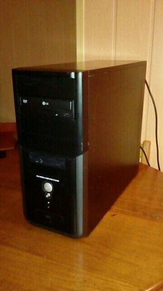 Torre PC (ordenador) Atiendo whatsapp 625220717