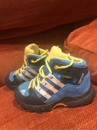 Botas niño Adidas con Goretex