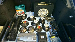 equipo de música auto.