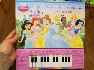 Libro musical con piano princesas