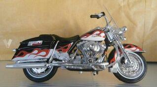 3 Harley Davidson escala 1:18 Maisto