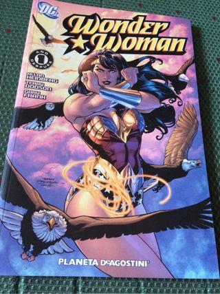 Tomo Wonder Woman: Un año después, de DC