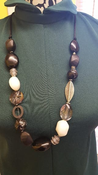 Amber Moda necklace