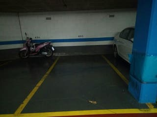 Parking. Badalona llefia