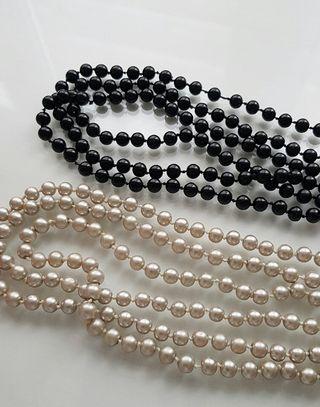 Collares de perlas largos
