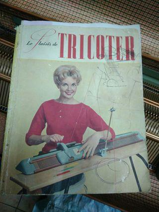 Maquina de Tricotar Singer
