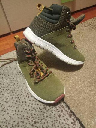 bota zapatilla 27